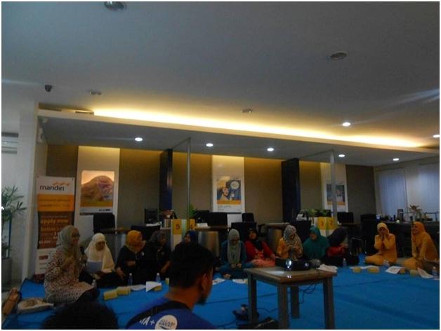 Seminar dengan Pocari di PT. Bank Mandiri Cabang UGM