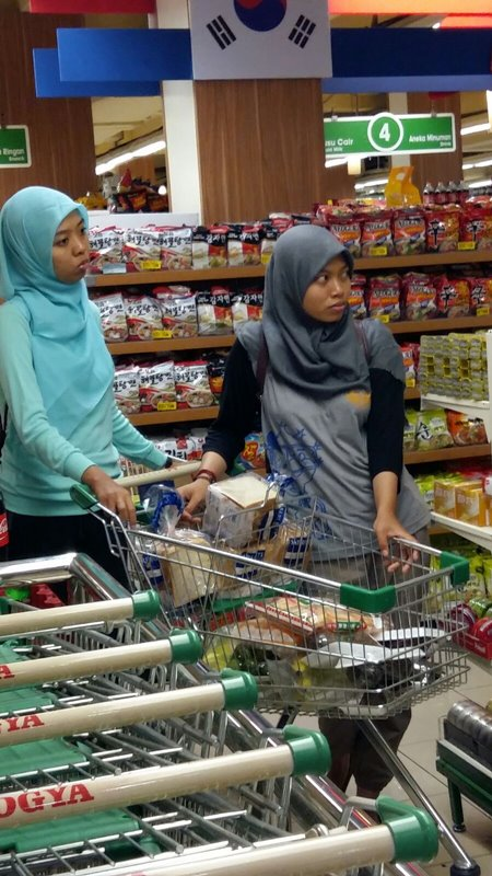 Persiapan bahan makanan selama kompetisi